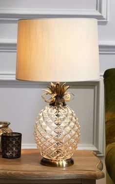 Pineapple Table Lamp Bedside Light Gold Champagne Shade Modern STUNNING Lounge for sale online Side Tables Bedroom, Table Lamps For Bedroom, Brass Table Lamps, Bedside Table Lamps, Table Lamp Sets, Desk Lamp, Bedroom Decor, Bedroom Ideas, Pineapple Lamp