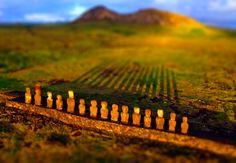 Rapa Nui - http://3otiko.blogspot.gr/2013/01/blog-post_4650.html    Tilt-Sift effect - http://3otiko.blogspot.gr/2011/09/photoshop_29.html