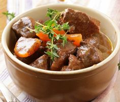 Crockpot Beef Bourguignon Beef Bourguignon, which is beef stew with wine, in the crockpot. – Crockpot Beef Bourguignon (Beef Stew with Wine) Crock Pot Recipes, Goulash Recipes, Beef Recipes, Cooking Recipes, Crockpot Beef Bourguignon, Bourguignon Recipe, Beef Goulash, Comidas Pinterest, Hearty Beef Stew
