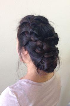 #korean wedding hair #side braided up do #bridal hair style #braided hair style  www.imagibyfiona.com