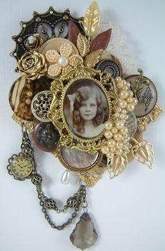 Vintage Button Brooch  Perhaps we should go get some vintage buttons?