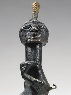 SONGYE POWER FIGURE, DEMOCRATIC REPUBLIC OF THE CONGO H. 36 cm THE COLLECTION OF ALLAN STONE: AFRICAN, PRE-COLUMBIAN & AMERICAN INDIAN ART - VOLUME TWO Sotheby's, New York, 16 May 2014 Sold 62,500 USD