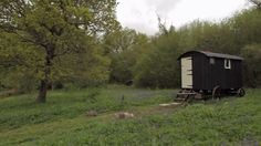 Old Winchester - Hampshire. A charmingly renovated, 100 year old shepherd's hut full of vintage furnishings and royal memorabilia with a private wood fired hot tub. Winchester Hampshire, Canopy And Stars, Shepherds Hut, Staycation, Glamping, Britain, Tub, Wheels, England