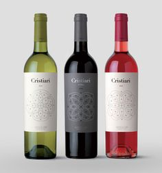 Extra! | Gama Cristiari | Vall de Baldomar www.extraestudio.com Wine Bottle Design, Wine Label Design, Wine Bottle Labels, Whisky, Bourbon, Peach Drinks, Design Package, Wine Logo, Wine Brands