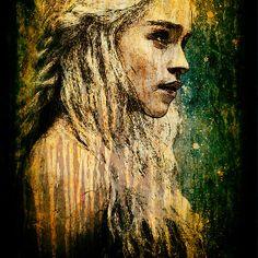 Daenerys Targaryen Throw Pillow