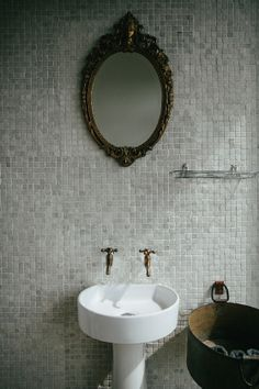 Anatomy Design: Blueberry Café · Miss Moss Coffee Shop Bar, Ivy House, Vintage House, Round Mirror Bathroom, House Interior, House Essentials, Interior Accents, Bathroom Design, Mirror