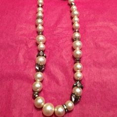 Vera wang princess from kohl's faux pearl necklace Faux pearls in multiple sizes rhinestone beads in multiple shapes great condition worn twice Vera Wang Jewelry Necklaces