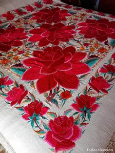 Palestinian Embroidery, Silk Shawl, Hand Embroidery Designs, Lace Flowers, Embroidered Silk, Flower Dresses, Shawls, Textiles, Antiques