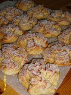 Ruusupullat I Love Food, Good Food, Baked Doughnuts, Sweet Bakery, Sweet Pastries, Dessert Recipes, Desserts, Sweet Recipes, Sweet Tooth