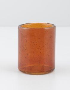 Värmeljushållare i färgat glas. Finns i fyra olika färger. Moscow Mule Mugs, Tableware, Dinnerware, Tablewares, Dishes, Place Settings