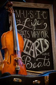 Modern music themed wedding  |  The Frosted Petticoat