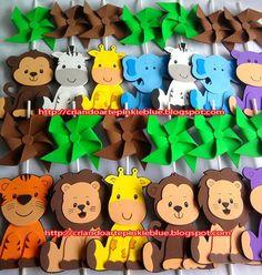 Pinkie Blue Artigos para festa: Centro de mesa Safari- bichinhos de eva Safari Theme Birthday, Jungle Theme Parties, Jungle Party, Safari Party, 1st Boy Birthday, Party Themes, Animal Party, Crafts, Ideas