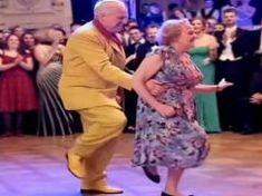 Esta pareja de ancianos hace una rutina que deja a todos con la boca abierta This elderly couple does a routine that leaves everyone with their mouths open Elderly Couples, Elderly Man, Teach Dance, Dance Workshop, Jackson Music, Jerry Lee Lewis, Lindy Hop, Dance It Out, Mouth Open