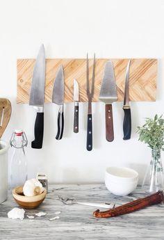 Wall-Mounted Knife Rack Tutorial (Using Paint Stirrers) Magnetic Knife Blocks, Magnetic Knife Holder, Magnetic Wall, Diy Knife, Wood Knife, Paint Stirrers, Herringbone Wall, Knife Storage, Diy Magnets