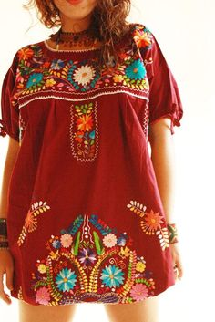 Elena Mexican vintage embroidered hippie chic tunic dress, hand embroidered traditional Mexico style This is super cute and I really like the red color Hippie Style, Mode Hippie, Bohemian Mode, Hippie Chic, Bohemian Style, Boho Chic, Mexico Dress, Mexican Embroidered Dress, Embroidered Tops