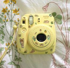 aesthetic is everywhere Polaroid Instax Mini, Instax Mini 8, Fujifilm Instax Mini, Vintage Polaroid Camera, Polaroid Cameras, Fuji Instax, Yellow Aesthetic Pastel, Aesthetic Colors, Aesthetic Grunge