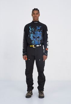 The complete Heron Preston Fall 2017 Menswear fashion show now on Vogue Runway. Couture Fashion, Fashion Show, Fashion Outfits, Vogue Paris, Men Street, Street Wear, Unisex Fashion, Mens Fashion, Dark Fashion
