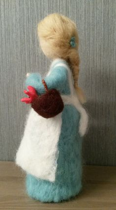 Needle felted doll Girl with flower Waldorf needle felted Needle Felted Animals, Felt Animals, Felt Dolls, Rag Dolls, Crochet Dolls, Little Pet Shop Toys, Needle Felting Tutorials, Felt Fairy, Wet Felting