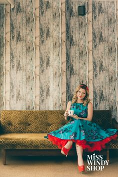 Take a moment for yourself (c) misswindyshop.com #circledress #vintagestyle #butterflies #petticoat #pinup #lady #teal #dress #red #popofcolor #dressrevolution #everydayisadressday