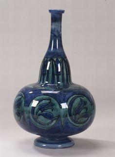Jugendstil Art Nouveau    Rozenburg  Decorated porcelain tulip vase  Netherlands, 1895