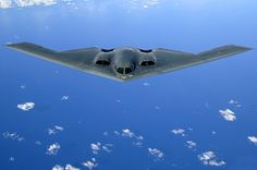 Aircraft stealth us air force The Northrop Grumman Spirit, also known as the Stealth Bomber, is an American strategic bomber, featuring low observable st. Flying Wing, Fear Of Flying, Military Jets, Military Aircraft, Mobile Backgrounds, Image Avion, Stealth Technology, 2 Spirited, Plane Photos