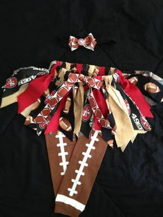 NFL fabric tutu -- Alison needs this :) I'll take a UK, Mich State, Lions one! Fabric Tutu, Fabric Bunting, How To Make Tutu, Tutu Costumes, Baby Tutu, Tutus For Girls, My Little Girl, Baby Crafts, My Princess