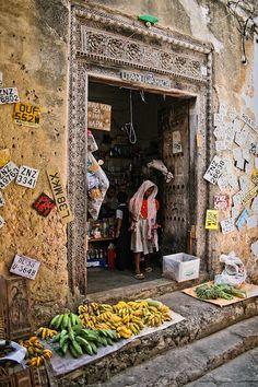 Utamu wa macho - Stone Town, Zanzibar by G.M. Galasso