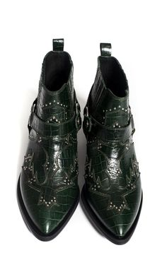 Crazy Shoes, Me Too Shoes, Heeled Boots, Shoe Boots, Mode Shoes, Punk Shoes, Green Boots, Studded Boots, Pretty Shoes