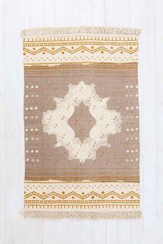 Magical Thinking Mirrored Medallion Handmade Rug - Urban Outfitters 4 x 6
