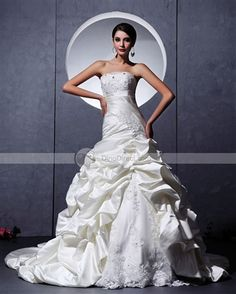 Amylinda™ Satin Tulle Ruffle Applique Embellishment Sweetheart Chapel A-Line Bridal Gown Wedding Dresses