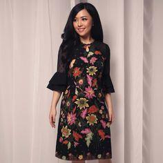 This item will be shipped in 10 Working Days Blouse Batik, Batik Dress, Dot Dress, Lace Dress, Dress Batik Kombinasi, Batik Fashion, Thai Dress, Contemporary Dresses, Cheongsam Dress