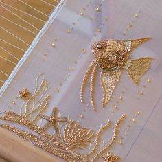 The best Tambour embroidery Zardozi Embroidery, Tambour Embroidery, Bead Embroidery Patterns, Hand Work Embroidery, Gold Embroidery, Embroidery Jewelry, Hand Embroidery Designs, Embroidery Stitches, Tambour Beading