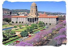 Details about Pretoria City Hall, in Pretoria, South Africa. Information and guide for Pretoria City Hall Pretoria, Beautiful Buildings, Beautiful Places, Namibia, Port Elizabeth, Out Of Africa, Beaches In The World, Africa Travel, Live