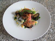 JHS  / Petit rougets et crevettes grillées et sauce liquide légumes à la roquette et l'œuf Gino D'Aquino