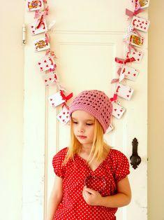 Queen of Hearts garland