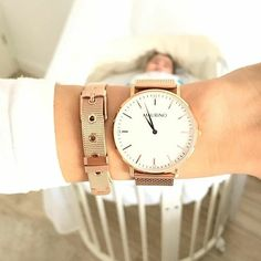 Our beautiful new Rosé Gold Mesh Bracelet and MAURïNO 'Berkeley' watch !💫✨ Photo credit: @fitsaraviktoria #mymaurino Get yours now at www.onemaurino.de