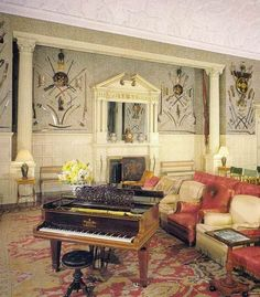 sandringham house interior things that inspire the queens houses castle inside library which is noted as being a former bowling alley Palais De Buckingham, Royal Room, Ji Hoo, Royal Residence, Castle House, Royal Palace, Historic Homes, Decoration, Elizabeth Ii