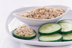 Take tuna to the next level with this Tasty Tuna Salad & Cucumber Chips recipe. Try this Tasty Tuna Salad & Cucumber Chips recipe today for great flavor! Kraft Recipes, Salad Recipes, Diet Recipes, Healthy Recipes, Tuna Recipes, Healthy Low Carb Snacks, Healthy Eating, Eating Clean, Cucumber Chips