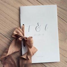. Order of service // . . #inwhiite #invitethem #stationary #invitation #luxurystationery  #nordicweddings #bryllup #paperlove #kirkeprogram #papergoods #trykksaker #invitasjon #wedding #weddingstationary #weddingpaper #weddinginspo #weddinginspiration #ohwowyes #paperie #savethedate #bridetobe #nordicstyle #weddingdetails #moderncalligraphy  #branding #attractyourpack #invitationdesign #risingtidesociety #communityovercompetition #creativeentrepeneur