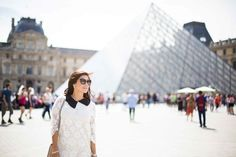AN AMERICAN IN PARIS: How to really dress for the City of Lights http://www.jetset-diaries.com/blog/2015/7/13/paris-sights-the-louvre-and-the-tulleries