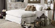 daybed - guest room/den/office - love the colour combination My Living Room, Home And Living, Living Spaces, Dream Bedroom, Master Bedroom, Decoration, Bedroom Decor, Bedroom Mirrors, Wood Bedroom