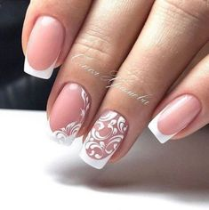 False nails have the advantage of offering a manicure worthy of the most advanced backstage and to hold longer than a simple nail polish. The problem is how to remove them without damaging your nails. Bridal Nails Designs, Wedding Nails Design, Gel Nail Designs, Wedding Gel Nails, Nail Manicure, Diy Nails, Crome Nails, French Tip Nails, Nagel Gel
