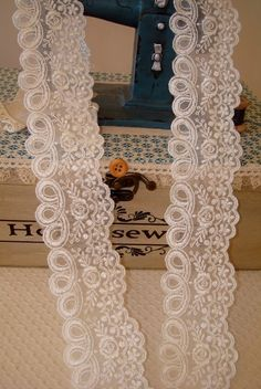 Color Beige Claro, Lace Wedding, Wedding Dresses, Crafts, Life, Ideas, Fashion, Roll Forming, Lace