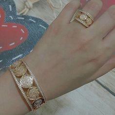 Bracelets – Page 8 – Modern Jewelry Gold Bangles Design, Gold Jewellery Design, Gold Jewelry, Jewelery, Jewelry Bracelets, Fine Jewelry, Daisy Jewellery, Jewellery Uk, Diamond Bracelets