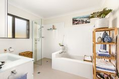 88/82 Avalon Parade, Avalon Beach 2 Bed 1 Bath 1 Car  http://www.belleproperty.com/buying/NSW/Northern-Beaches/Avalon-Beach/Unit/77P1401-88-82-avalon--parade-avalon-beach-nsw-2107