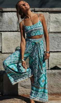 Dresses Length: Ankle-LengthCollar: StraplessPant Closure Type: DrawstringMaterial: Cotton Boho Outfits, Casual Outfits, Fashion Outfits, Boho Chic Outfits Summer, Sport Outfit, Pants Outfit, Look Boho Chic, Boho Beach Style, Hawaii Outfits