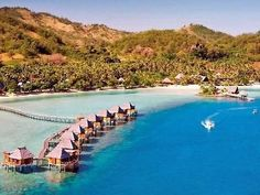 Likuliku Lagoon Resort  Fidschi, – Malolo Lailai Island (I want to go there just for the name oh and maybe the scenery!)