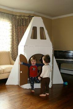 33 New Ideas Backyard Kids Party Cardboard Boxes Cardboard Spaceship, Cardboard Rocket, Cardboard Box Houses, Cardboard Box Crafts, Cardboard Playhouse, Cardboard Toys, Cardboard Furniture, Cardboard Kids House, Cardboard Box Ideas For Kids