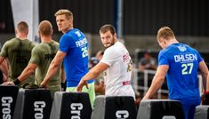 Mathew Fraser looks back before the start of the event at the CrossFit Games Crossfit Games 2017, Crossfit Men, Reebok Crossfit, Crossfit Athletes, Crossfit Exercises, Gym Workouts, Mat Fraser, Book Photography, Baddies