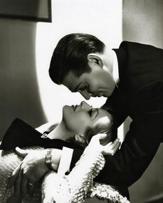 I would love this in a big print in a beautiful big frame in my room | Clark Gable and Carole Lombard  #SilverScreenSerendipity #Clark #Gable